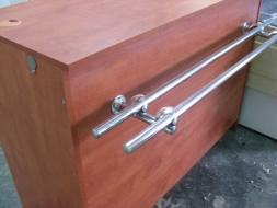1,2/0,7 drewniana z półką dla klienta (reling) KOM 0030
